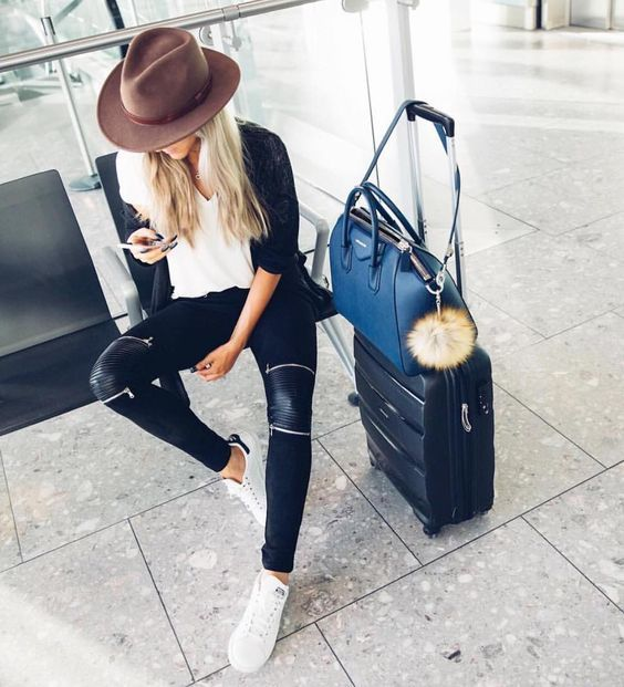 What to Pack for NYFW Airport Fashion, Comfy Outfit, Airplane Style, Layers, Flying, Packing, Pack Light, Luggage, Suitcase, Carry On