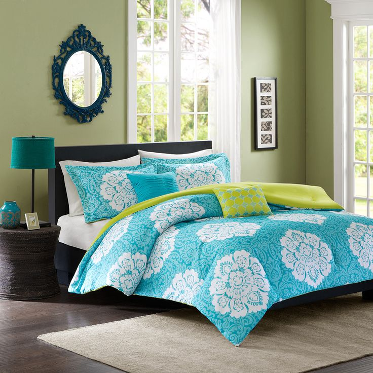 This bright turquoise damask comforter is a