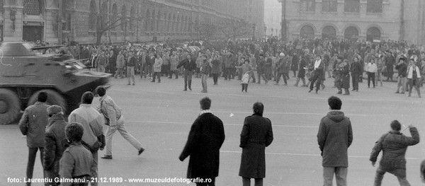 Un participant la revoluția din decembrie '89, mesaj către tineri: D-aia zic, nu-ți mai pune #rezist pe poză și, în nici un caz în piept, că nu spune despre tine decât că ești un molâu ușor de prostit