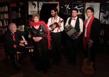 """Llega el extraordinario espectáculo """"Dos Guerras un Tango"""" a la Biblioteca Café   Del Arrabal al Mundo El tango hace furor aquí y en todas partes no es novedad.  Desde principios del siglo pasado y sobre todo en los 20's y los 30's en Francia en Alemania en Rusia y en toda Europa el 2x4 se adueñó de salones y cabarets donde se escuchaba y se bailaba no solo nuestro tango sino también producciones propias. Grandes como Kurt Weill y Frederick Holländer componían tangos que cantaban Marlene…"""