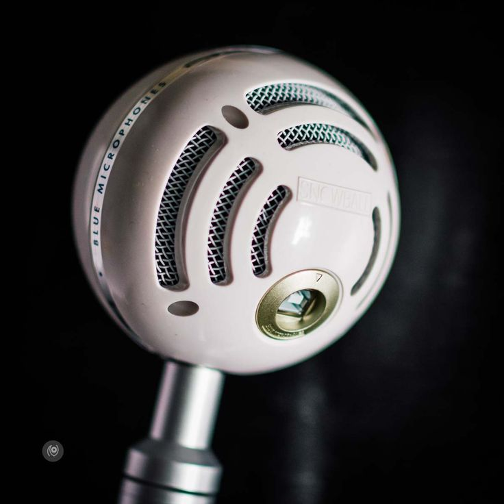 Blue Snowball Microphone #Podcast #EyesForTechnology http://www.naina.co/2017/01/blue-snowball-microphone-podcast-eyesfortechnology/?utm_campaign=coschedule&utm_source=pinterest&utm_medium=Naina.co&utm_content=Blue%20Snowball%20Microphone%20%23Podcast%20%23EyesForTechnology
