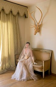 For the outmost romantic bride! By @Vassilis Zoulias