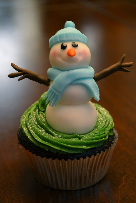 Sugar Cake Decorations For Christmas : Christmas Cupcakes - by Hello, Sugar! @ CakesDecor.com ...
