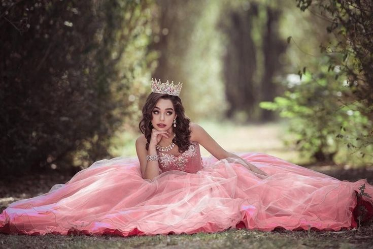 Best Home Decoration All The Best Home Decor Ideas Tips Diy And More Quinceanera Photography Prom Photoshoot Pretty Quinceanera Dresses