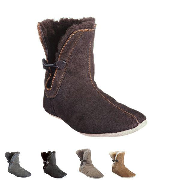 Sheepskinn slippers designed for #shepherd Fårskinnstofflor #oddbirds Lova