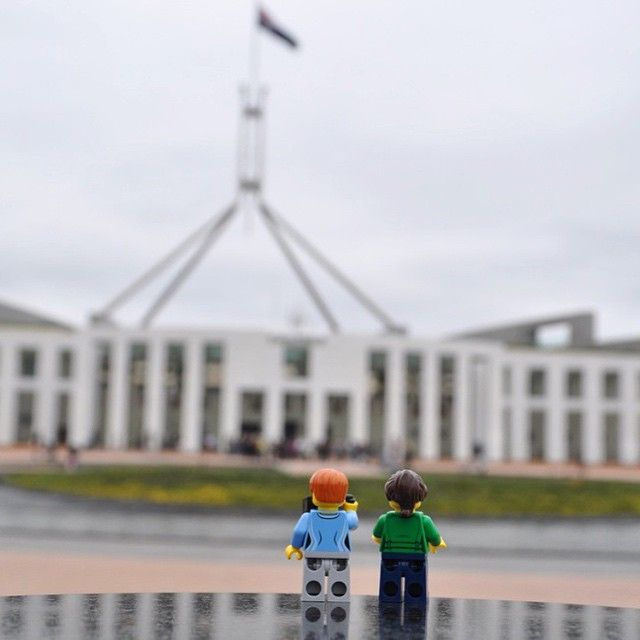 There will be lots of visitors to the national capital over this Easter long weekend, but not many would be as cute as these little tourists! Thanks to Instagrammer @legominifigurestravel for sharing this creative holiday snapshot and tagging #visitcanberra