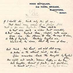 """Rupert Chawner Brooke (1887-1915), fue un poeta inglés conocido por sus sonetos idealistas sobre la guerra, escritos durante la Primera Guerra Mundial; sin embargo, nunca luchó en la guerra. En esta imagen se ve el poema """"El soldado""""."""