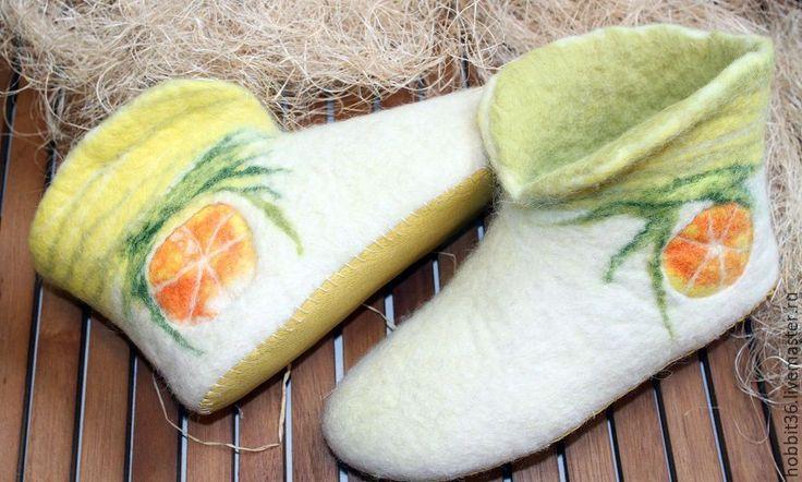 Купить Валенки для дома лимонно апельсинное настроение - желтый, Тапочки ручной работы, тапочки из шерсти