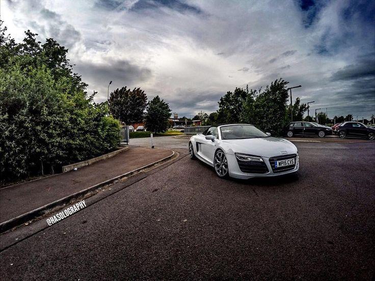V10    Bristol Audi #bristolaudi #audir8v10 #audi #v10 #r8 #audi #german #supercar #white #carbon #carbonfibre #audir8 #brandnew #led #germanwhip #audigramm #supercars #dreamcar #germany #quattro #stance #carbonpackage #ceramics #takeoff #audination #privateplate #carswithoutlimits #stancenation #amazingcars247 #hasolography by hasolography
