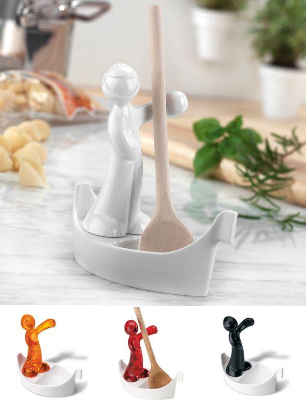 """Con encanto el porta cucharas """"Luigi"""" se convierte en el objeto que llenará de animo y color tu cocina. Después del trabajo se puede poner en el lavavajillas. $18.900"""