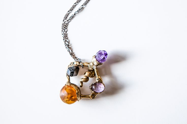 Amber necklace. Design by Mineral Weather for russian-amber.ru Подвеска с янтарем. Автор: Mineral Weather для russian-amber.ru