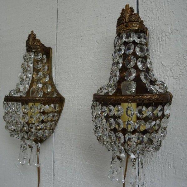 Twee kristallen zakkroon wandlampjes  Lampen  Kristallen