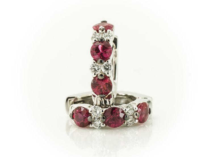 orecchini-a-cerchio-rubini-diamanti-1.jpg