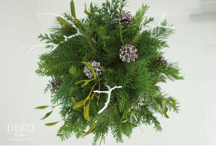 Weihnachtsdeko Basteln: Kissingball Mit Zweigen Und Misteln Deko Kitchen