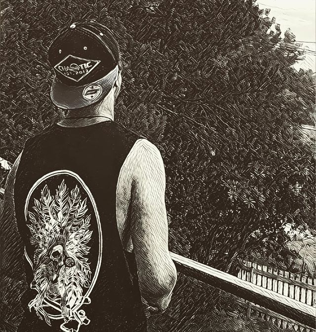 Sunsets with our  Indian chief muscle and patch embroidered SnapBack - link in bio #gochaotic #muscletank #sunset #clothinglabel #streetwear #manly