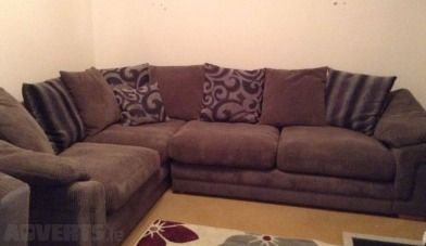 Large DFS pillow back corner sofa and swivel chair - Excellent condition large corner sofa and swi...