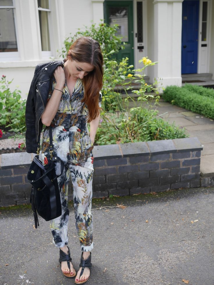 Read my tongue in cheek ramblings on the virtues of jumpsuits at http://www.threadandmirror.com/magazine/jumpsuits  #streetstyle #ootd #fbloggers #jumpsuits #fwis #threadandmirror