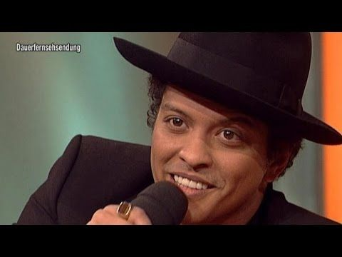 Bruno Mars sings Country-Version of Marry You! - TV total - YouTube