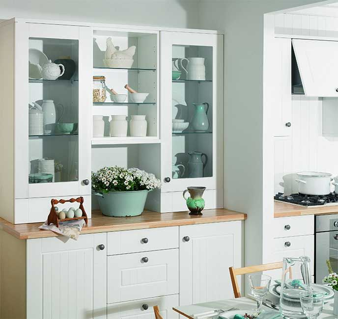Academy Sofia kitchen in White. A traditional country style door that suits lots of worktop colours.