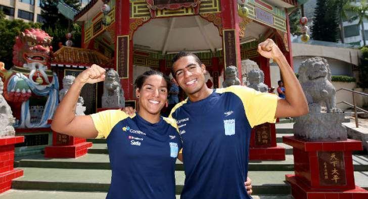 Ana Marcela Cunha e Allan do Carmo foram contemplados com o prêmio de melhor atleta do ano na maratona aquática.