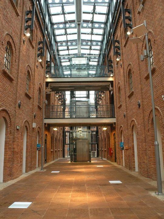 zespół dawnych zakładów włókienniczych K. W. Scheiblera, obecnie Art_Inkubator w Fabryce Sztuki w Łodzi