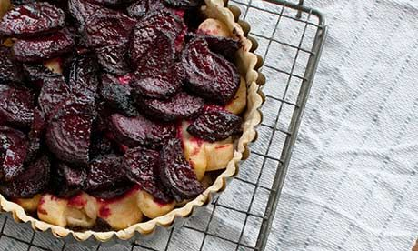 Gluten-free Horseradish and Beetroot Tart with Balsamic Glaze: Vegan, Tart Nbsp With Balsamic, Beetroot Tart With, Coloured Tart, Beetroot Tart Nbsp With, Beetroot Pie, Jewel Coloured, Tart With Balsamic