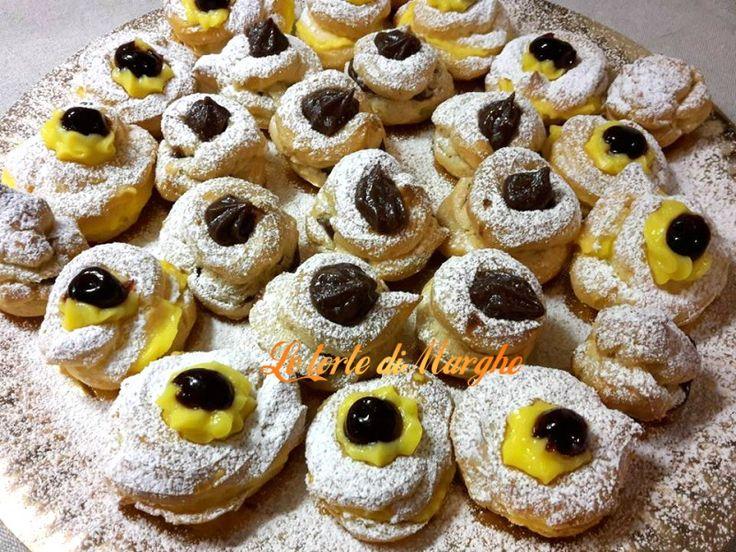 Zeppole dolci al forno Oggi vi ho preparato queste zeppole dolci al forno. Con crema pasticcera, sono una vera goduria, potete anche farcirle con crema alla nutella, e se volete si possono anche friggere