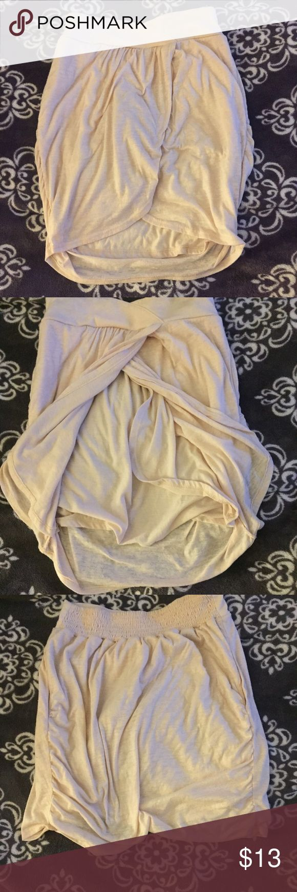 Silence + Noise sz. S light pink skirt Whimsical light pink flowy skirt... so comfortable! & has pockets! Excellent condition! silence + noise Skirts Mini