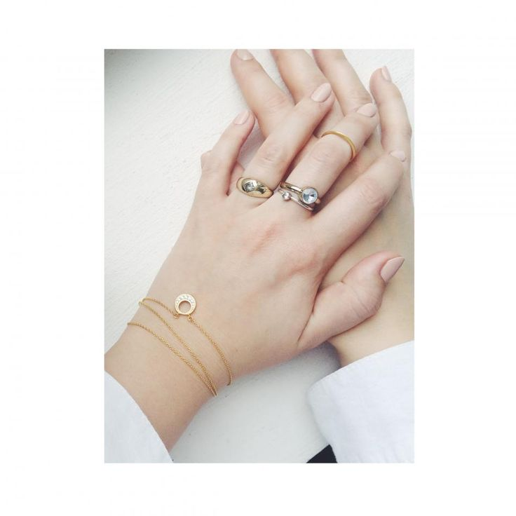 All that glitters is gold. #gold # rings #goldrings #hvisk #styling #inspiration #hands #goldjewelry
