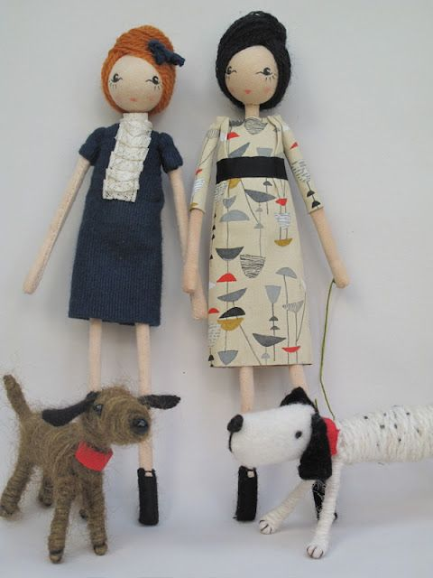 fab dolls by Sarah Strachan, don't normally like this sort of thing, but i really want one of these, for some reason...