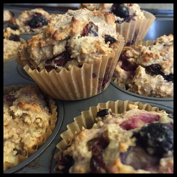 These yummy muffins have a nice tart flavor to them. You can use any frozen berry blend, but a mixture with cherries in it will definitely make the muffins pop with flavor. #muffin #healthy #berries #snack #sharicreates