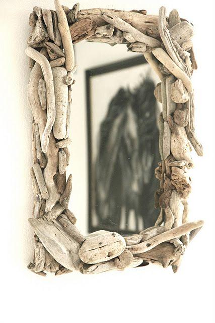 Driftwood mirror    http://thesleefamily.blogspot.com/p/driftwood-mirror.html