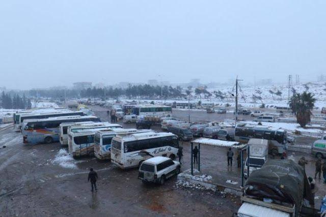 """Evakuasi lambat anak Aleppo timur menderita  keadan evkuasi di timur Aleppo (Reuters)  Pasukan Basyar al-Assad semakin mendekati waktu untuk menguasai seluruh kota Aleppo. Baberapa laporan bahkan menyebut evakuasi telah selesai. Namun pihak oposisi dan PBB menilai proses evakuasi warga belum maksimal. """"Itu bukan sesuatu yang bisa kita pastikan. Evakuasi masih terus berlangsung"""" kata laporan itu. Juru bicara salah satu kelompok oposisi FSA Osama Abu zaid mengatakan proses evakuasi terhambat…"""