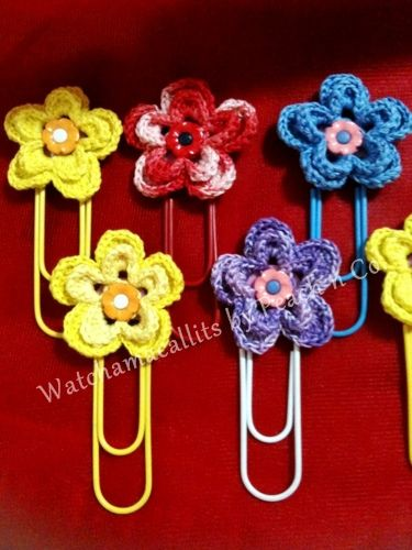how cute....crochet flower paper clips 4 bookmarks