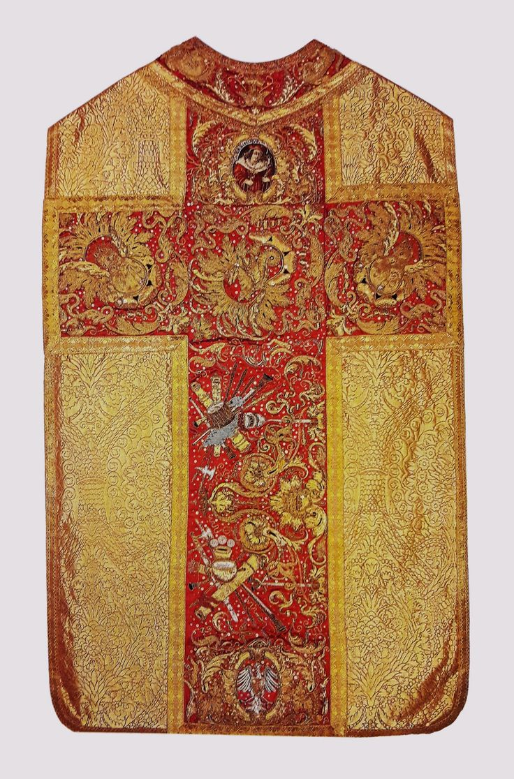 Chasuble from the royal set by Anonymous from Poland and France, before 1663, Klasztor Sióstr Wizytek, made from a canopy of Queen Marie Louise Gonzaga