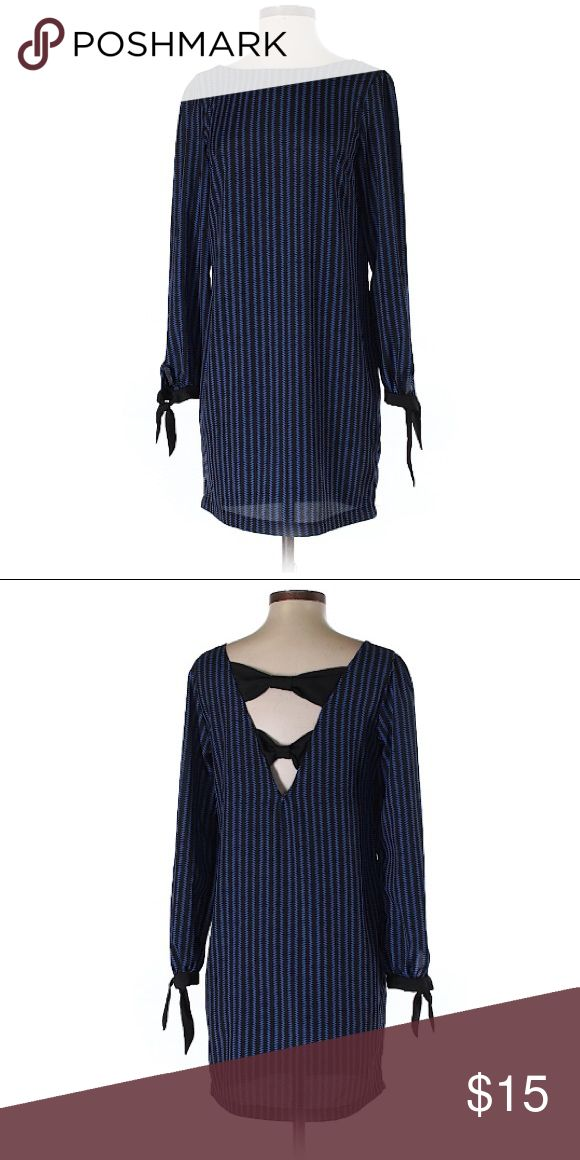 🌟 Moonlight 🌟 I have an obsession with bows and stripes.   🌟 Description     • Shift     • Boat neckline     • Dark Blue      • Stripes     • Bows     • Cut outs   🌟 Condition     • Excellent (cause she's been in my closet, quietly weeping) Moonlight Dresses Long Sleeve