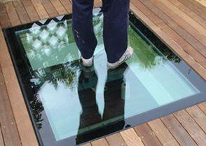 Walk-on roof skylight