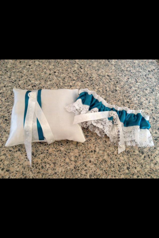 Ring pillow & garter x