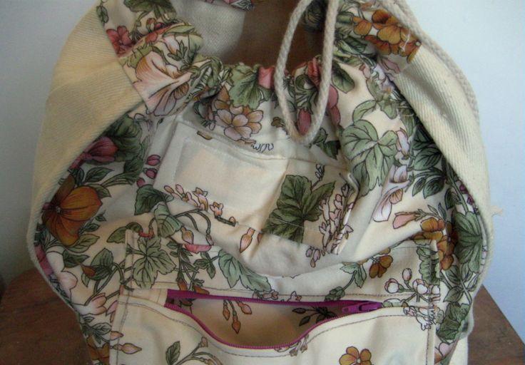 totalnie jasny z akcentem kwiatowym kieszonka na suwak wewnątrz #bag #plecaki #zet  www.facebook.com/szycie.zet