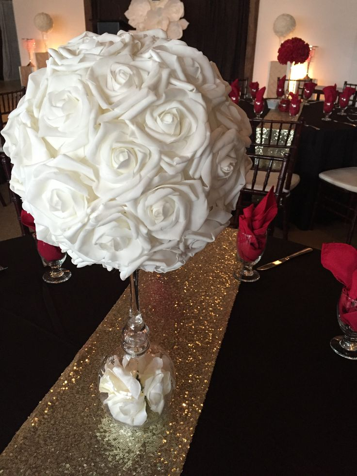 DIAMOND - artificial white rose ball on glass pedestal