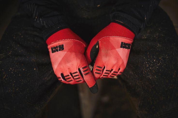 Per chiunque continui a pedalare anche al freddo, è tempo di pensare a un guardaroba invernale