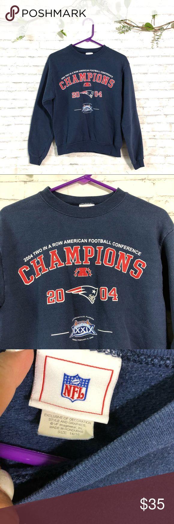 "Vintage New England patriots NFL sweatshirt Marked Sz 14/16 kids will fit Women's XS, 17"" chest measurements Vintage Sweaters Crew & Scoop Necks"