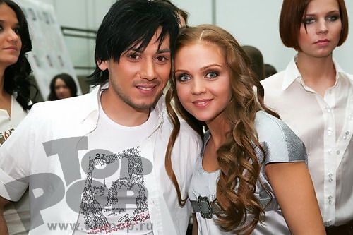 http://www.toppop.ru/pics/photo/b/pokaz_novoj_kollektsii_antoniny_shapovalovoj/11.JPG