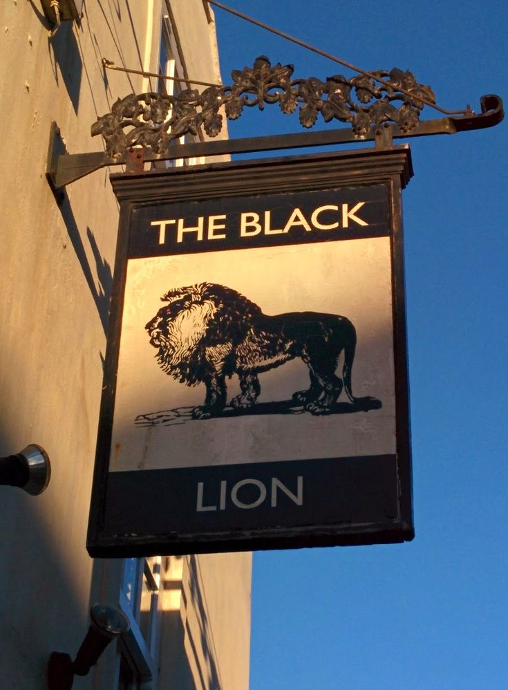 A simple but effective pub sign design for The Black Lion in The Old Town, Bridlington. By Paul Banks Signwriting and Design.  #Signwriter #Signpainter #Signwriting #Signpainting