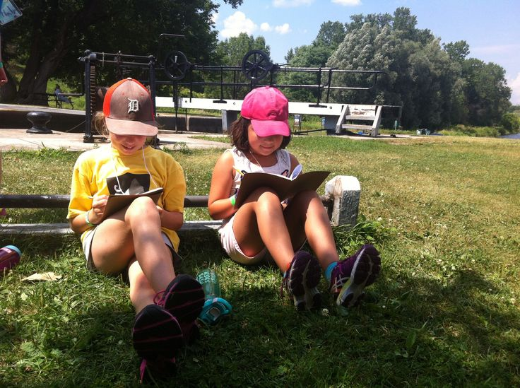 Our Sr. campers enjoy the shade while we talk about the history of plein air painting and gather sketches for the mural we created at the end of the day based on the theme of nature and technology!