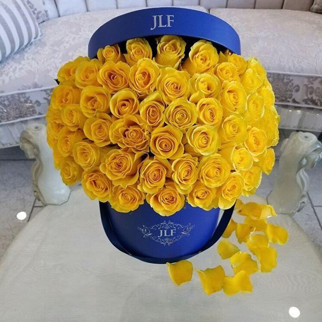 Yellow X Blue Jlf Jadorelesfleurs Www Jadorelesfleurs Com Fresh Flowers Arrangements Yellow Roses Luxury Flowers