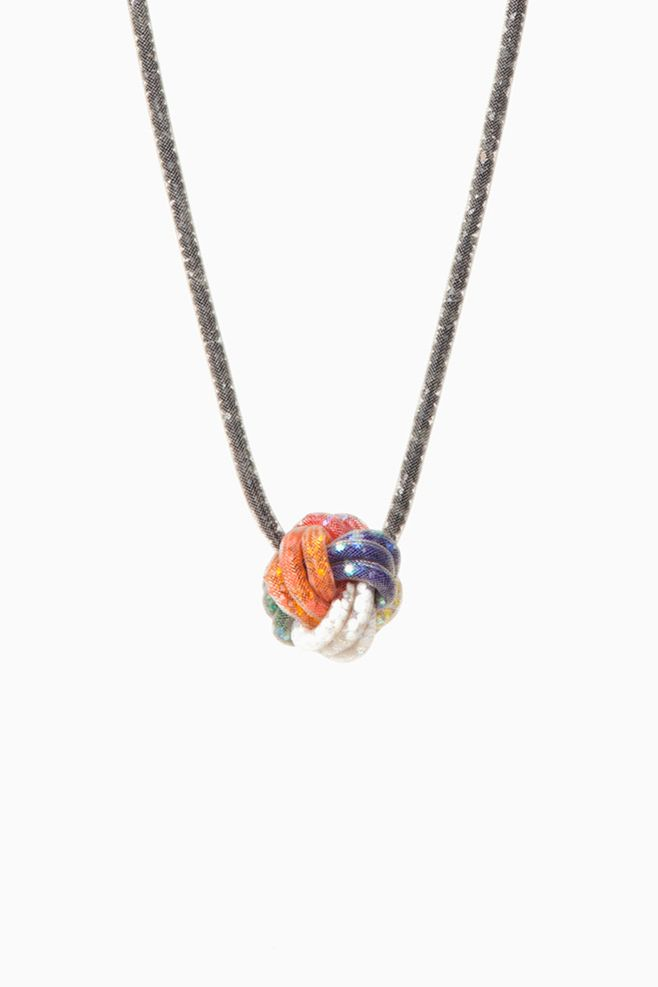 Peppercotton Small Knot Necklace (Rubik's)