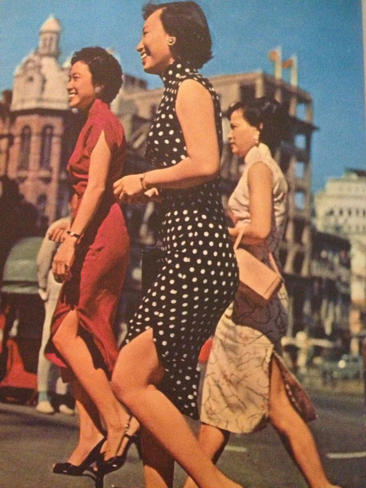 Cheongsam Hong Kong 1962. This dress really sums up what Dynamic Winter should feel like to me...elegant, graceful, somewhat simple beautiful!