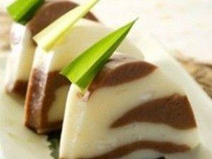 Hunkwe kue ini kue palin mudah dan paling cepet bikinya menurut saya. bahan bahanya cuma itu itu ajamudah di dapetin lagi hampir semua toko pasti ada harg