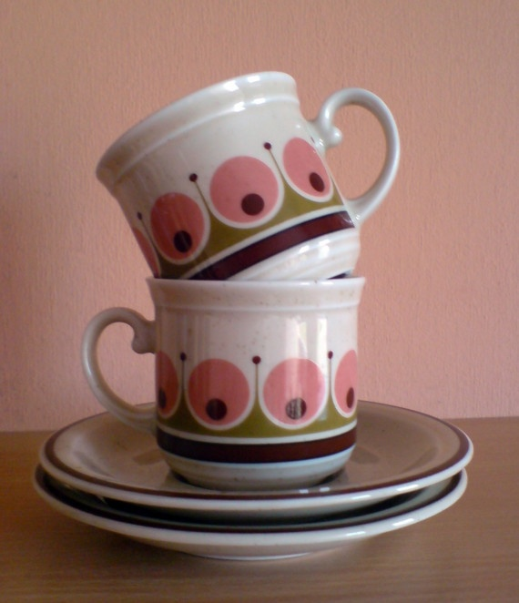 pink, green, and brown Dutch coffee cups! from suzhy
